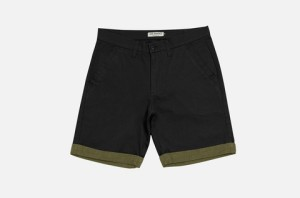 The Simple touch. Ramsden short in vintage black.